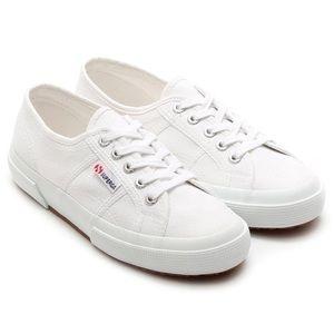 White Cotu Superga Sneaker